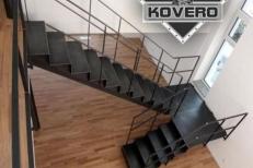 Kovové schodiště (10)