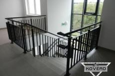 Kovové schodiště (9)