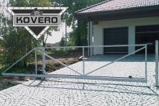 Kovová brána (10)