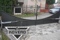 Kovová brána (15)