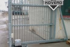 Kovová brána (18)