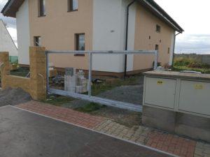 Kovová posuvná brána