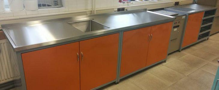 Laboratorní stůl (5)