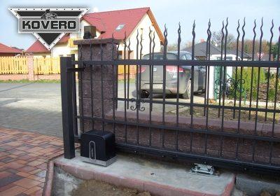Kovový plot 2